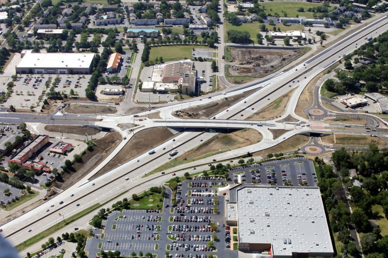 I-35_95th St Diverging Diamond Interchange.jpg